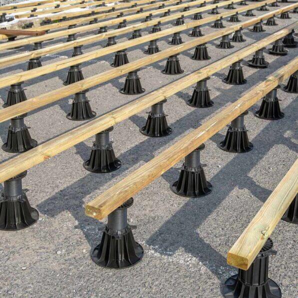 adjustable-pedestal-50-80-mm-for-composite-deck-ultradecking